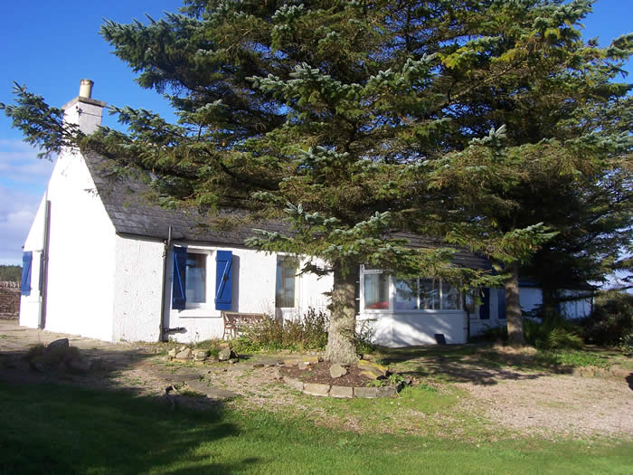 Self Catering Dunnet Head | Remote detached Cottage sleeps 6, Stove, Jacuzzi bath, En Suite, Sauna, Conservatory, Best place to see the Northern Lights
