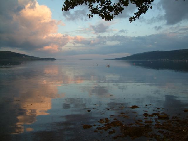 Kyles of Bute Self Catering | Shoreside Apartment in Tighnabruaich beautiful views sleeps 5