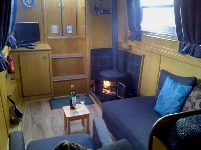 Yorkshire Dales Holiday Cottage | Idylic Location Luxury Static House Boat Holiday, Stove, Central Heating, Sleeps 2 up to 4