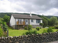 Strachur Self Catering Loch Fyne | Luxury Detached Cottage sleeps 6, Beautiful Loch Views, Stove, Village and Pub near by