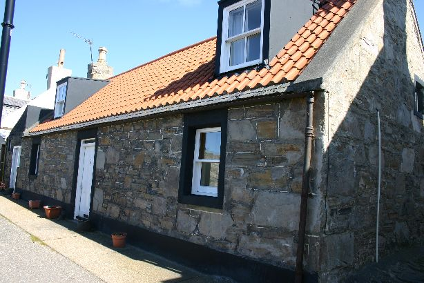 Seaside Cottage Cullen | Detached Harbourside Cottage, Sea Views, Sleeps 6