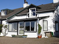 Loch Fyne Self Catering Cottage | Beautiful Loch Views, Stove, Central Heating, Sun Porch, Sleeps 4