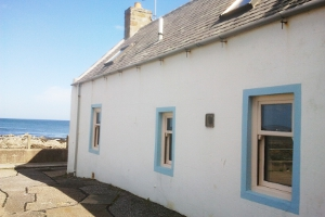 Scottish Sea View Cottage | Waters edge location, Moray Firth, Best place to see Whales and Dolphins, Sleeps up 7, Village, Pubs Sandy Beaches near