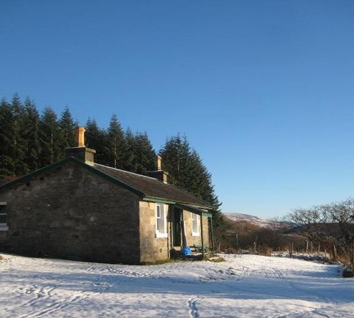 7 Clever Ideas For A Secure Remote Cabin: Remote Highland Country Cottage