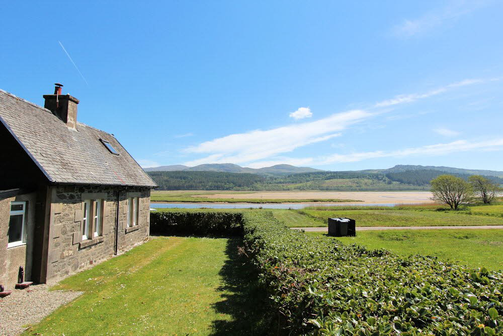 Remote Detached Waterside Cottage Argyll