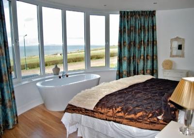Ayrshire Villa Sea Views Hot Tub